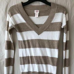 MOSSIMO FITTED KNIT LONG SLEEVE PULLOVER TOP